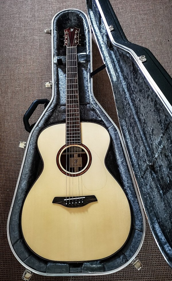 Furch Rainbow OM-LC Custom Shop Modell Vollmassive Westerngitarre
